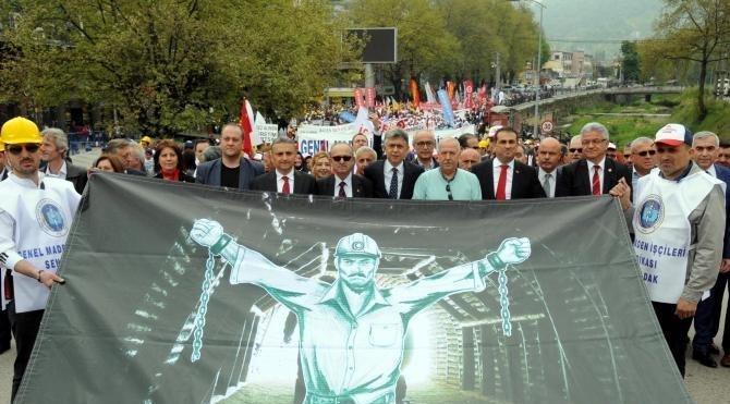 Zonguldak'ta 1 Mayıs coşkuyla kutlandı