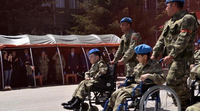 Bolu'da engelliler 1 günlüğüne asker oldu