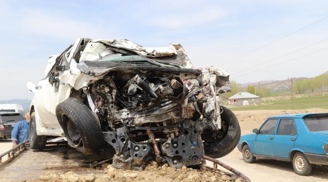Muş'ta 2 üniversiteli kazada öldü