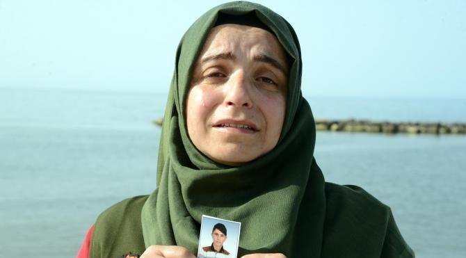 4 aydır denizde kaybolduğu iddia edilen oğlunu bekliyor