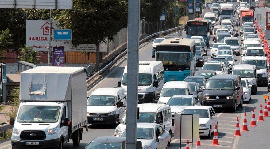 İstanbul'da bayram tatili trafiği durma noktasına getirdi