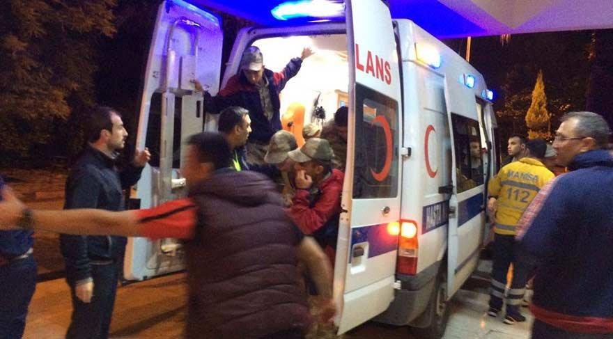 Son dakika… Manisa'da çok sayıda asker hastaneye kaldırıldı