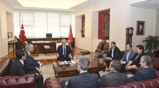 Kılıçdaroğlu; DİSK, KESK, TMMOB ve TTB başkanlarıyla görüştü