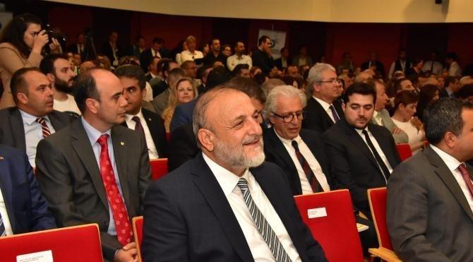 İzmir Ticaret Odası üyeleri ödüllerini aldı