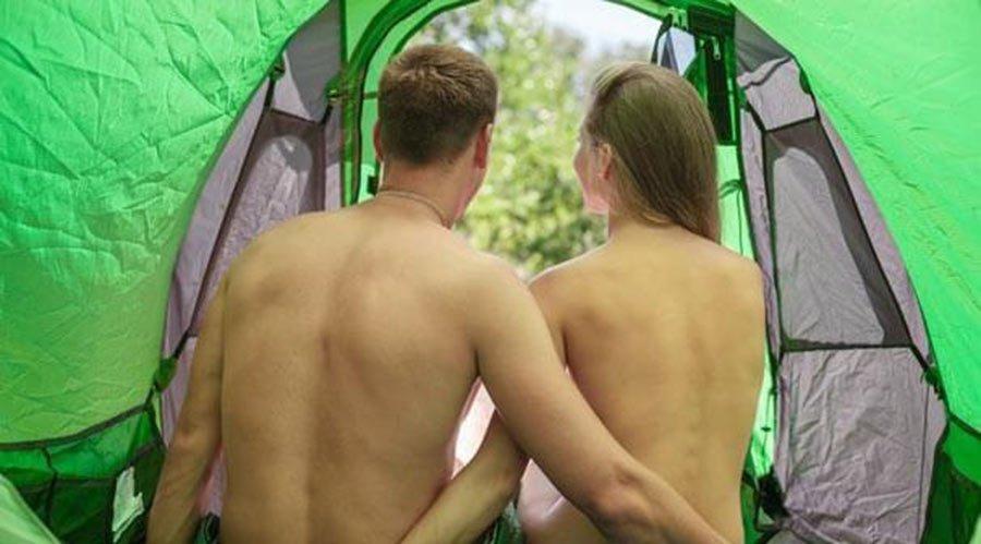 Отличный домашний секс в палатке