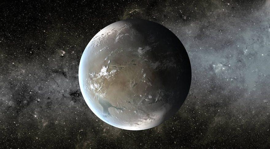Şimdi bu Yeni Ay'da Mars ve Satürn karşı karşıya olacaklar. Astrolojinin iki kötücülü karşı karşıya olacak. Bu ikili astrolojinin iki kötücülü olarak bilinirler ve kötü şansa işaret eder. Engel, problem, sorun, baş belası işlere işaret eder. Cesaret gerektiren işlerde başarılı olmak zorlaşır. Gücümüz kısıtlanır, kendimizi yeterince iyi bir şekilde ortaya koyamayabiliriz.