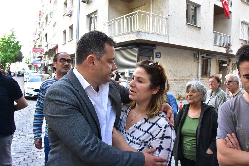 GÖZALTINA ALINAN GÖKMEN ULU YOLA ÇIKMADAN ÖNCE EŞİ BURCU ULU'YA SARILDI...