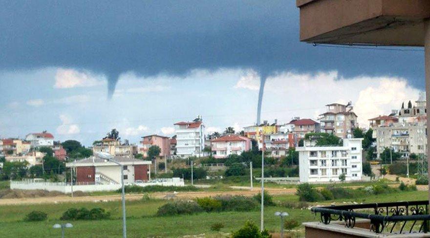 Antalya'da denizde oluşan 4 hortum korkuttu