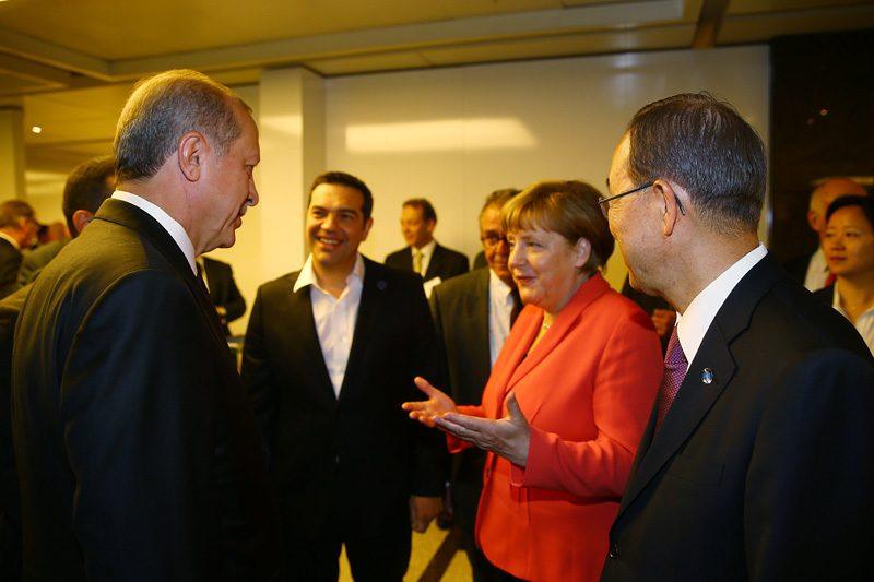 Merkel'den Türkiye ve İran'a Çağrı