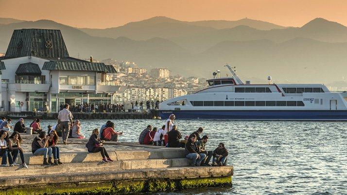 Fitch İzmir'in kredi notunu artırdı
