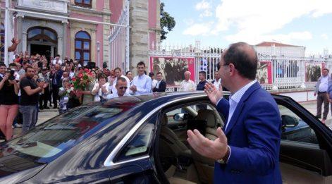 Edirne Belediye Başkanı Gürkan, alkışlarla karşılandı