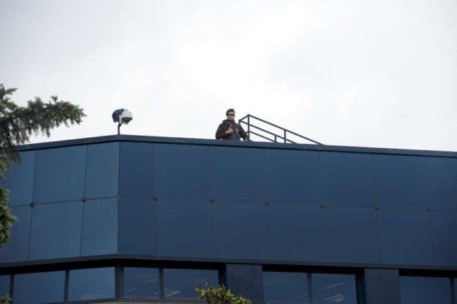 Güvenlik nedeniyle çatılara keskin nişancılar yerleştirildi.