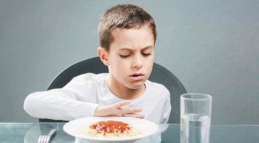 """""""Çocuğum yemek yemiyor"""" diye üzülen annelere altın öneriler"""