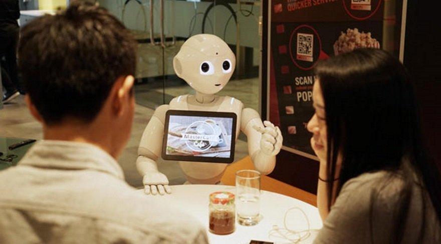 Ve robotlar mağazalarda çalışmaya başlıyor!