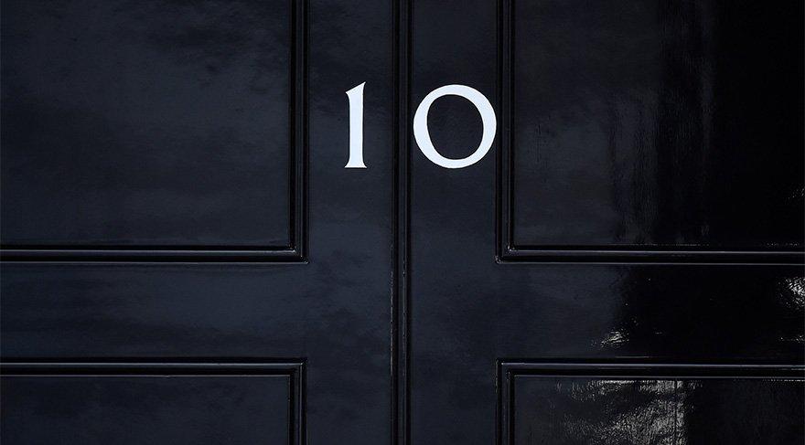 İngiliz Reuters haber ajansı, Başbakanlık Konutu'nun bu fotoğrafını abonelerine servis etti. Seçim sonuçlarına göre; Downing Street 10 Numara'nın sahibi değişebilir.