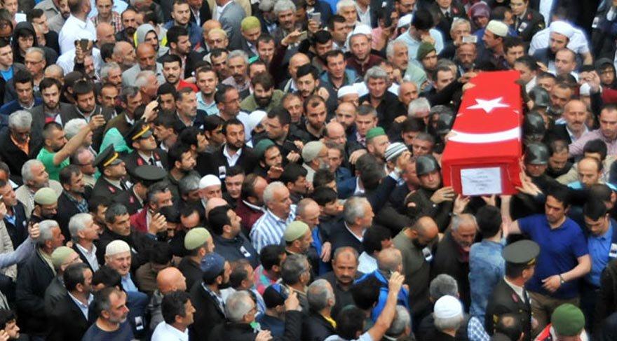 Şehitlerimizi binlerce kişi gözyaşlarıyla uğurladı