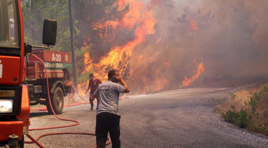 Alanya'da orman yangını, evler tahliye edildi