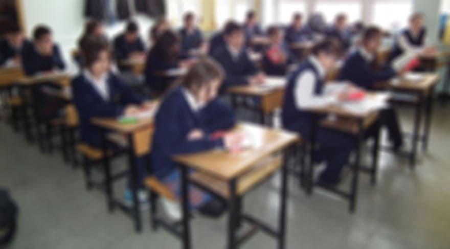 Böyle duyurdu okul müdürü: Kız ve erkekler ayrı okuyacak