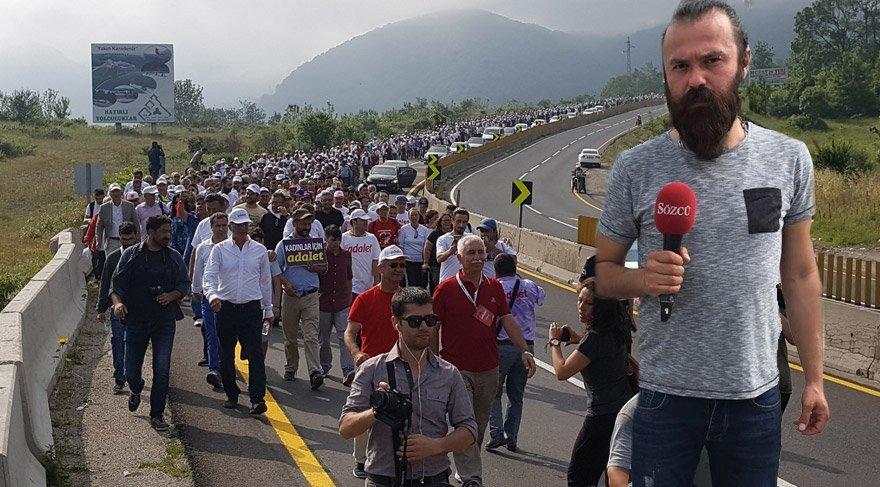 Sözcü Gazetesi İstihbarat Şefi Bora Erdin yürüyüşü takip ediyor.