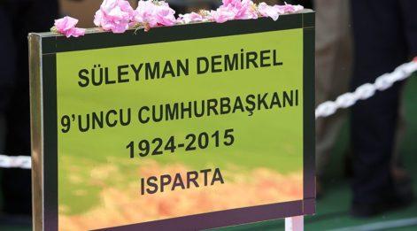 9. Cumhurbaşkanı Süleyman Demirel mezarı başında anıldı