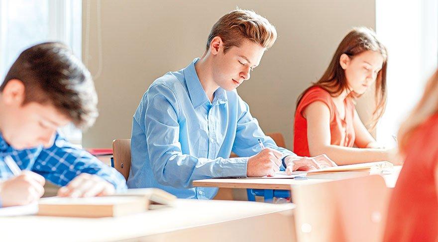 Liselerde Din Kültürü Dersi 2 saate çıkıyor