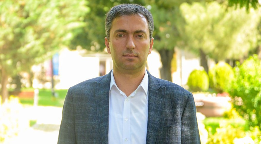 Yrd. Doç. Dr. Mustafa Yaman öğrenci ve ailelere önerilerde bulundu.