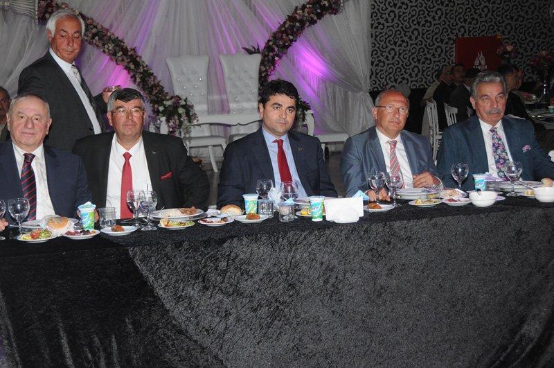 FOTO:DHA - DP lideri Uysal, partisinin Eskişehir'deki iftar programına katıldı.