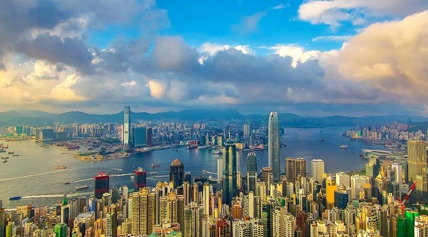 Bağımsızlığının 20. yılını kutlayan Hong Kong