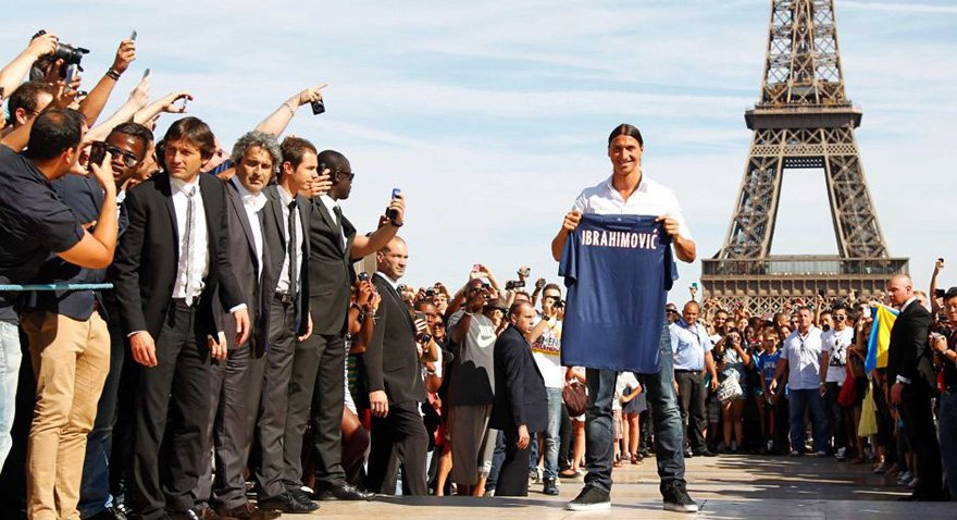 İbrahimovic önderliğindeki Paris Saint Germain Fransa'da dört kez lig şampiyonluğu yaşadı. Fotoğraf: Reuters