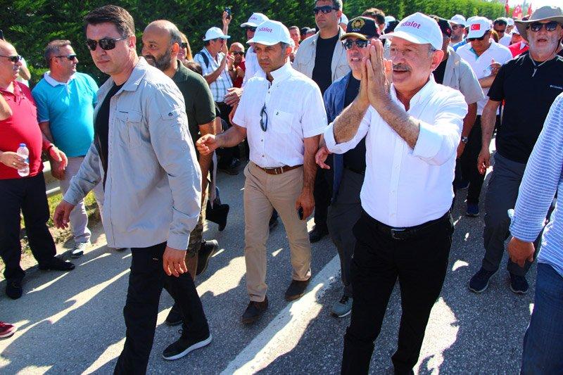 FOTO:DHA - Kılıçdaroğlu yürüyüşünü sürdürdü.
