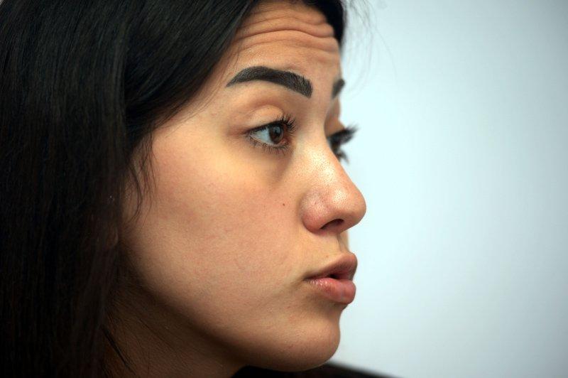 FOTO:DHA - Melisa sosyal medya üzerinden taciz edildiğini söyledi.