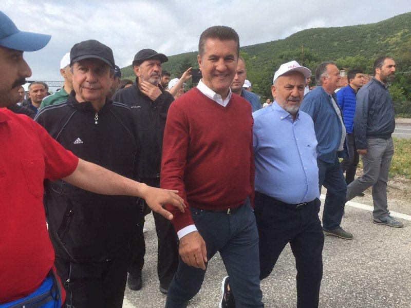 Yürüşüyün beşinci gününde, korteje Mustafa Sarıgül de katıldı.