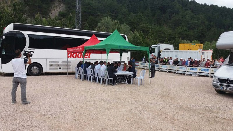 FOTO: CHP, MYK Gerede'ye 17 KM kala toplandı.