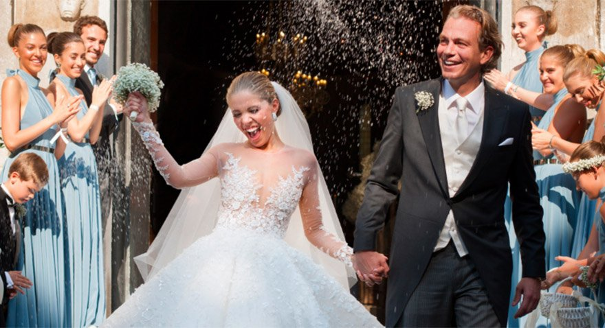 1 milyon dolarlık gelinlikle evlendi