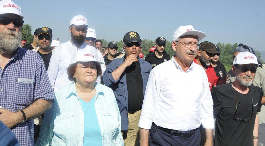 Kılıçdaroğlu'na ünlü sanatçı Selda Bağcan da destek verdi