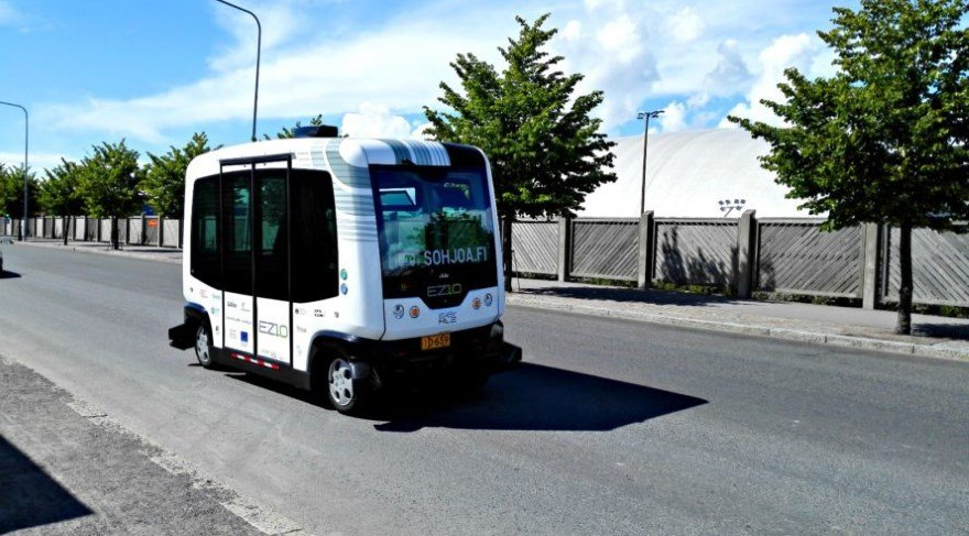 Elektrikli robot minibüsler sokaklara çıkıyor