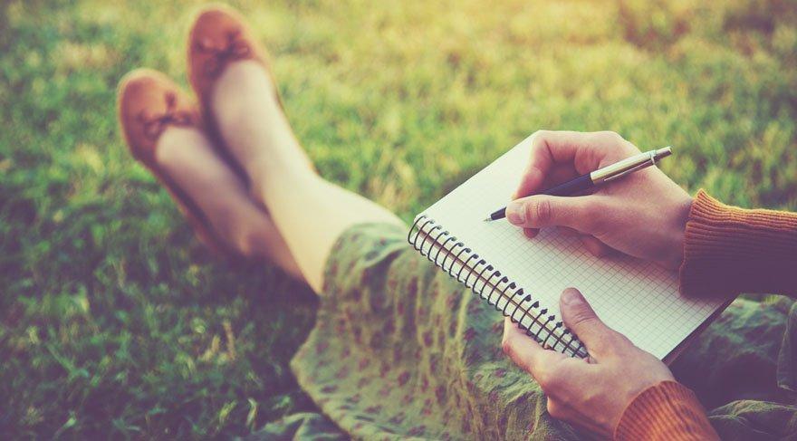 Duygular dile gelir, kaleme dökülür!