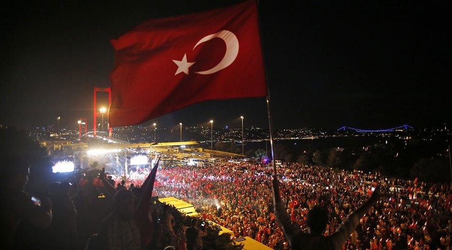 Yaşasın Cumhuriyet, yaşasın demokrasi