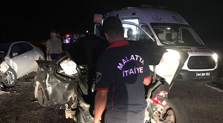 Malatya'da zincirleme kaza: 2 ölü 4 yaralı
