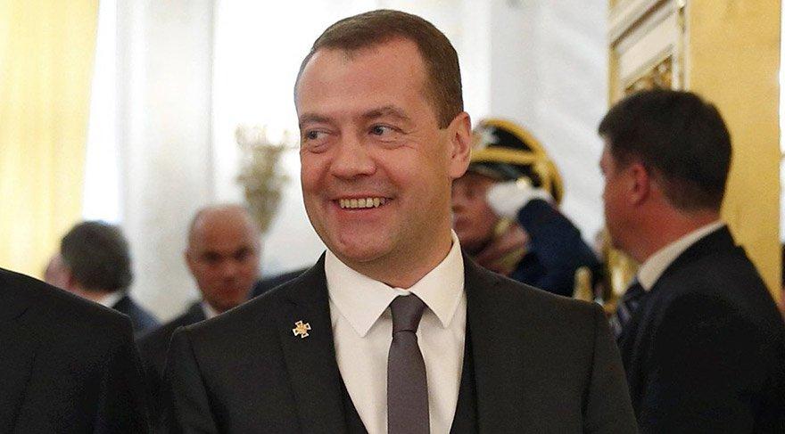Rusya'da Başbakan'ın lüks donu konuşuluyor