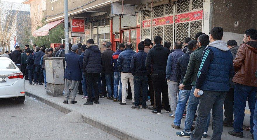 Yüz binlerce kişi işsiz kaldı