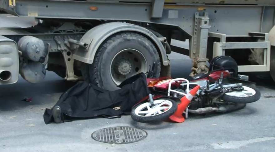 Yine bir cinayet daha! Kadıköy'de hafriyat kamyonu motosikletliyi ezdi