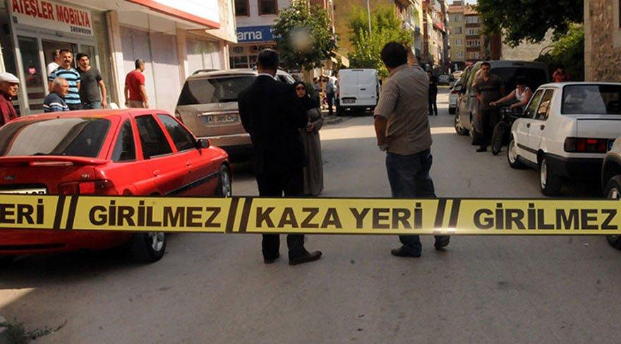 Aracın camını kırıp 83 bin lira çaldılar
