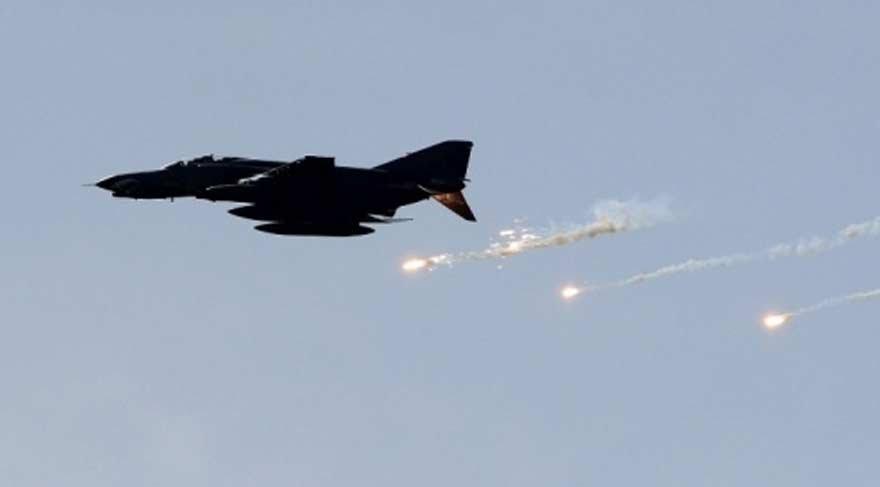 ABD, Suriye'ye saldırdı: 10 ölü