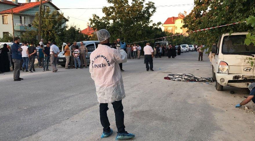 Kamyonet kadınların arasına daldı: 1 ölü, 7 yaralı