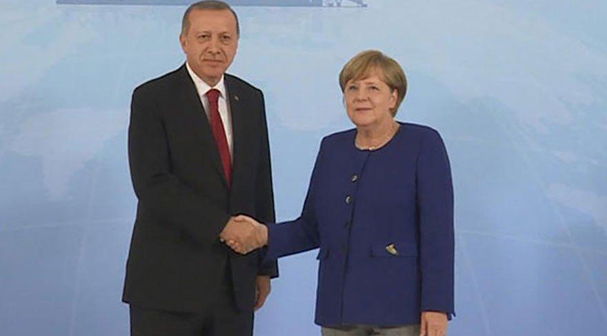 Erdoğan-Merkel görüşmesi 1 saat sürdü!