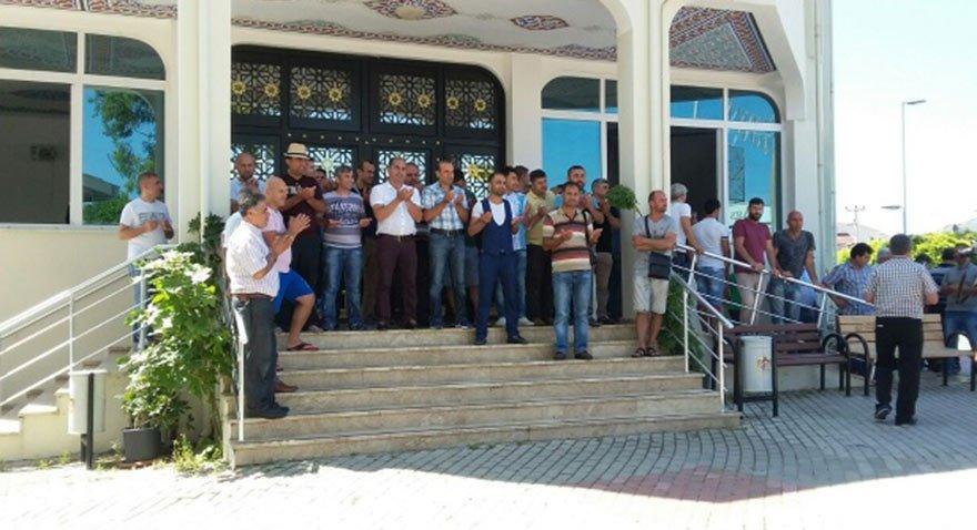 Alanya'da bu turizm sezonu terör olaylarının gölgesinde geçiyor. Doluluk oranları çok düşük. Esnaf ise bölgeye turist gelmesi için duaya çıktı. Fotoğraf: DHA
