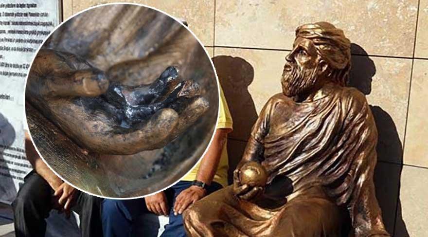 Anaksagoras'ın heykeli bakım için kaldırıldı