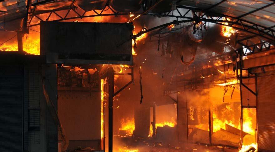 Antalya'da Festival Çarşısı'nda yangın