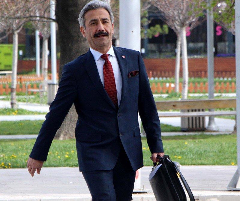 FOTO:DHA - Gazeteci İmdat Aslan, Bülent Arınç'a açtığı tazminat davasını kazanmıştı.
